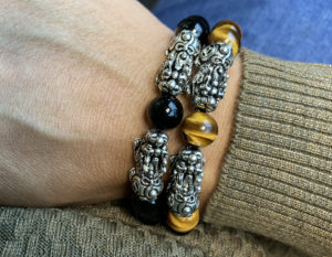 Pixiu-Yellow-Tiger-Eye-Silver-Opulence-10mm-lifestyle